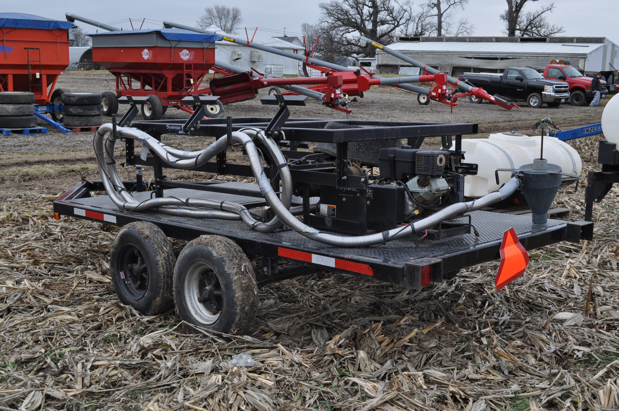 Yetter Seed Jet II air transfer seed tender, holds 2 pro boxes, Briggs & Stratton gas engine, on - Image 2 of 9