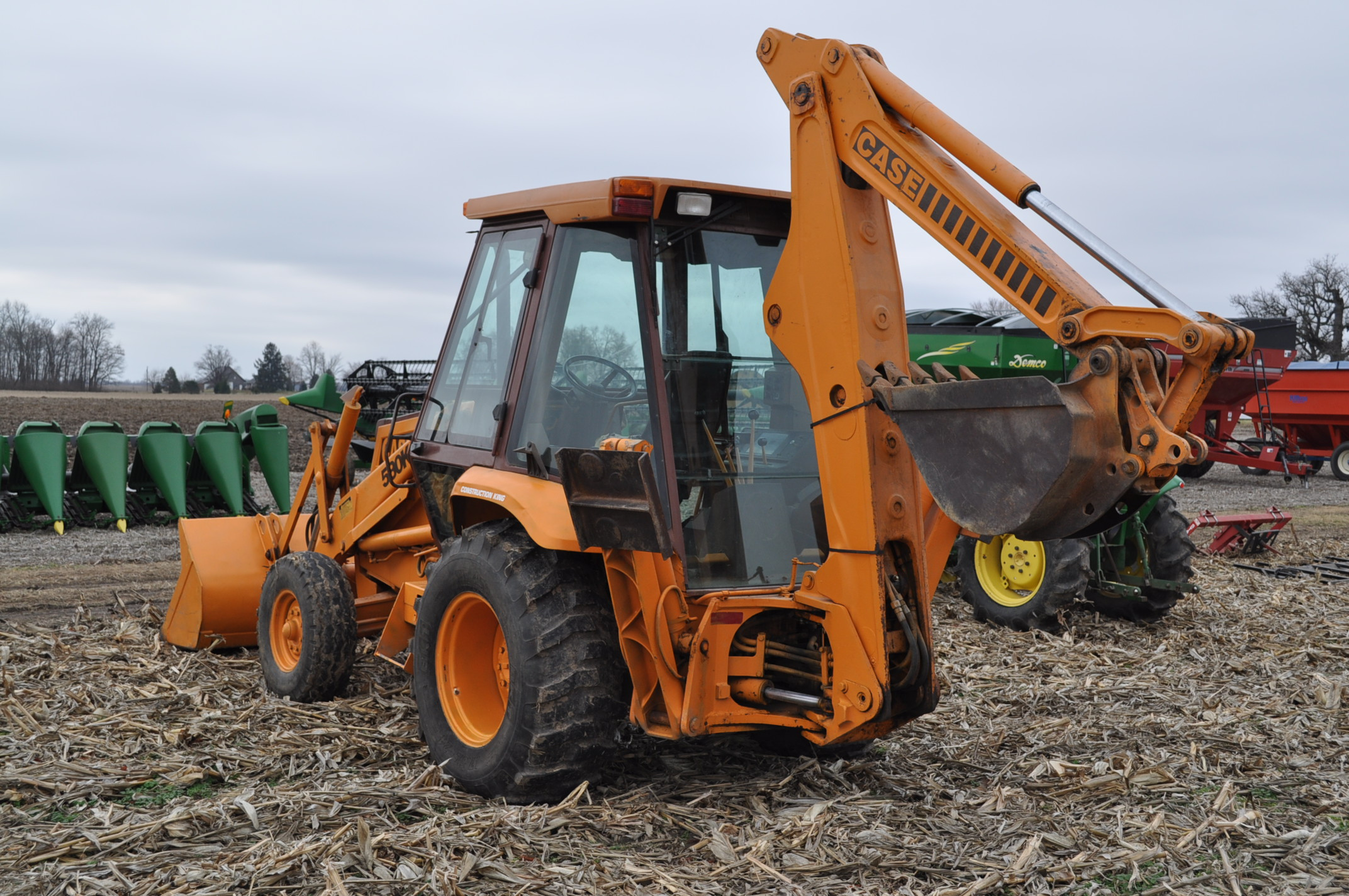 "Case Construction King 580 K backhoe, 17.5L-24 rear, 11L-16 front, CHA, 24"" digging bucket, 2 - Image 2 of 15"