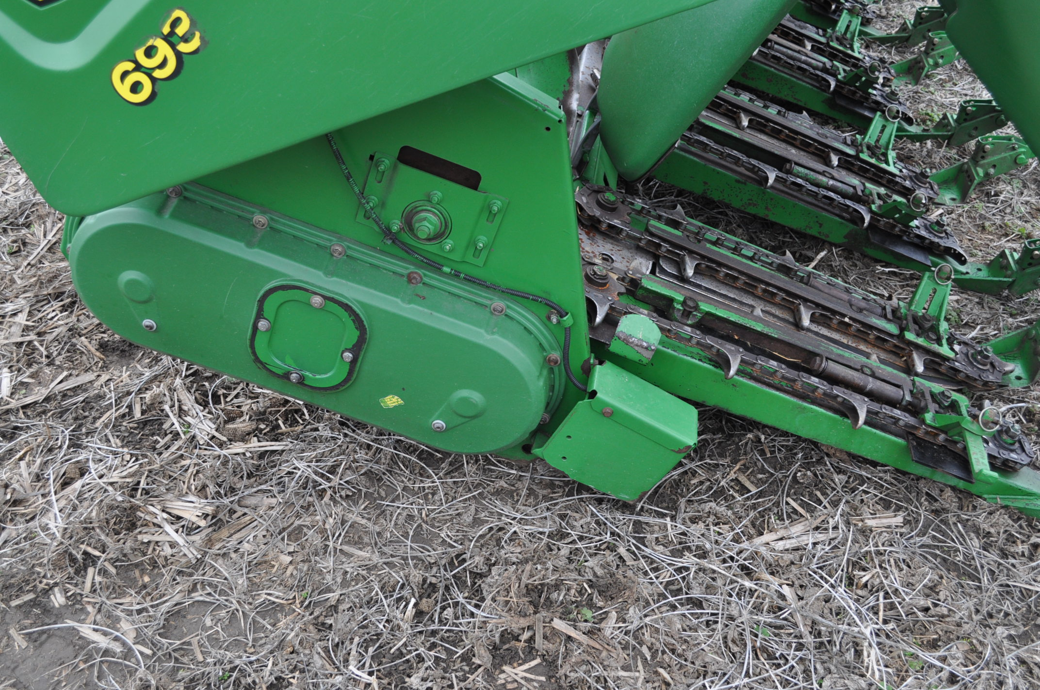 John Deere 693 corn head, poly, fluted rolls, hyd deck plates, pto shafts, SN 710815 - Image 14 of 14
