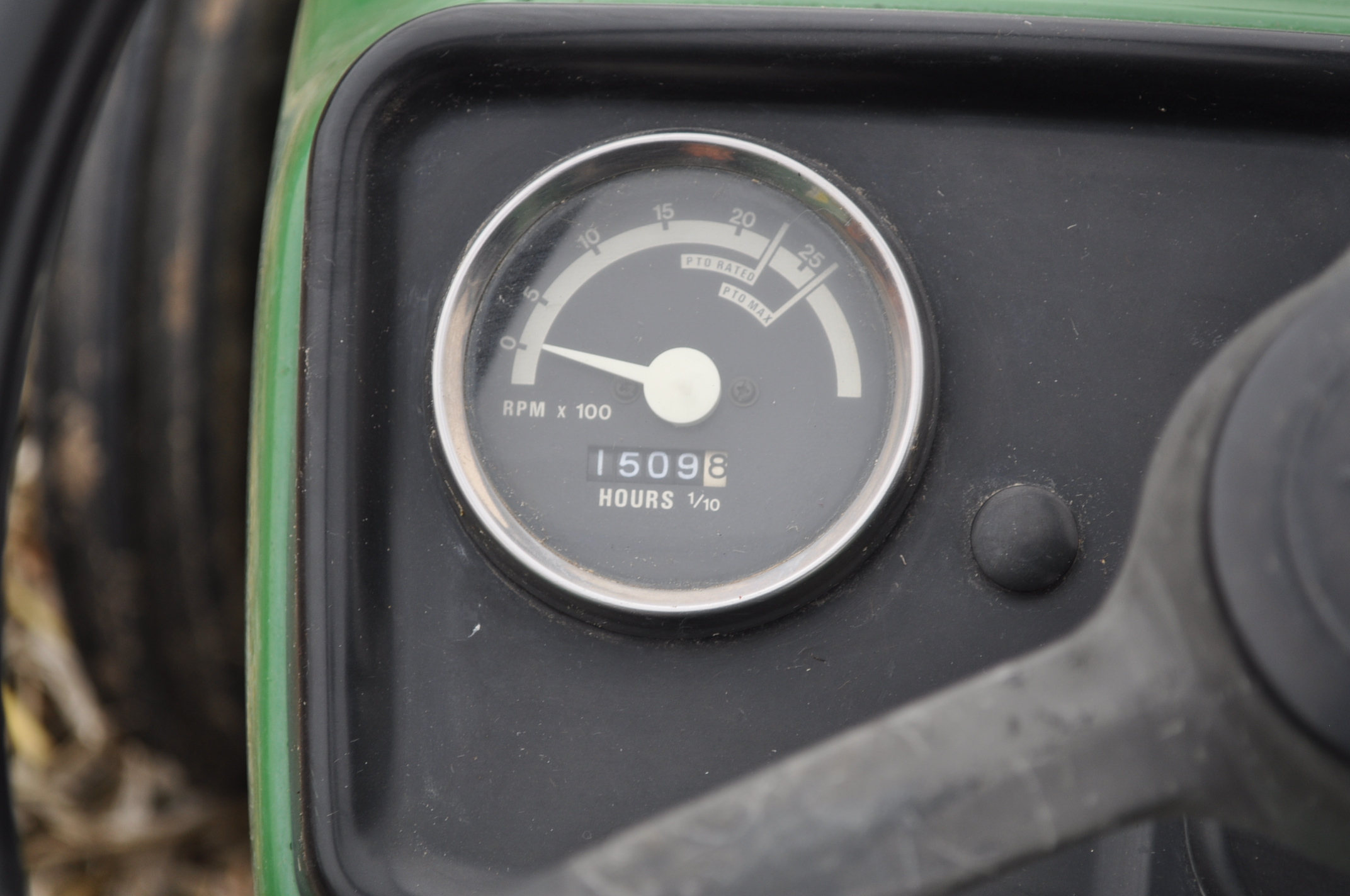 John Deere 850 utility tractor, diesel, 12.4-24 rear, 5.00-16 front, 2 hyd remotes, 3 pt, 540 pto, - Image 12 of 13