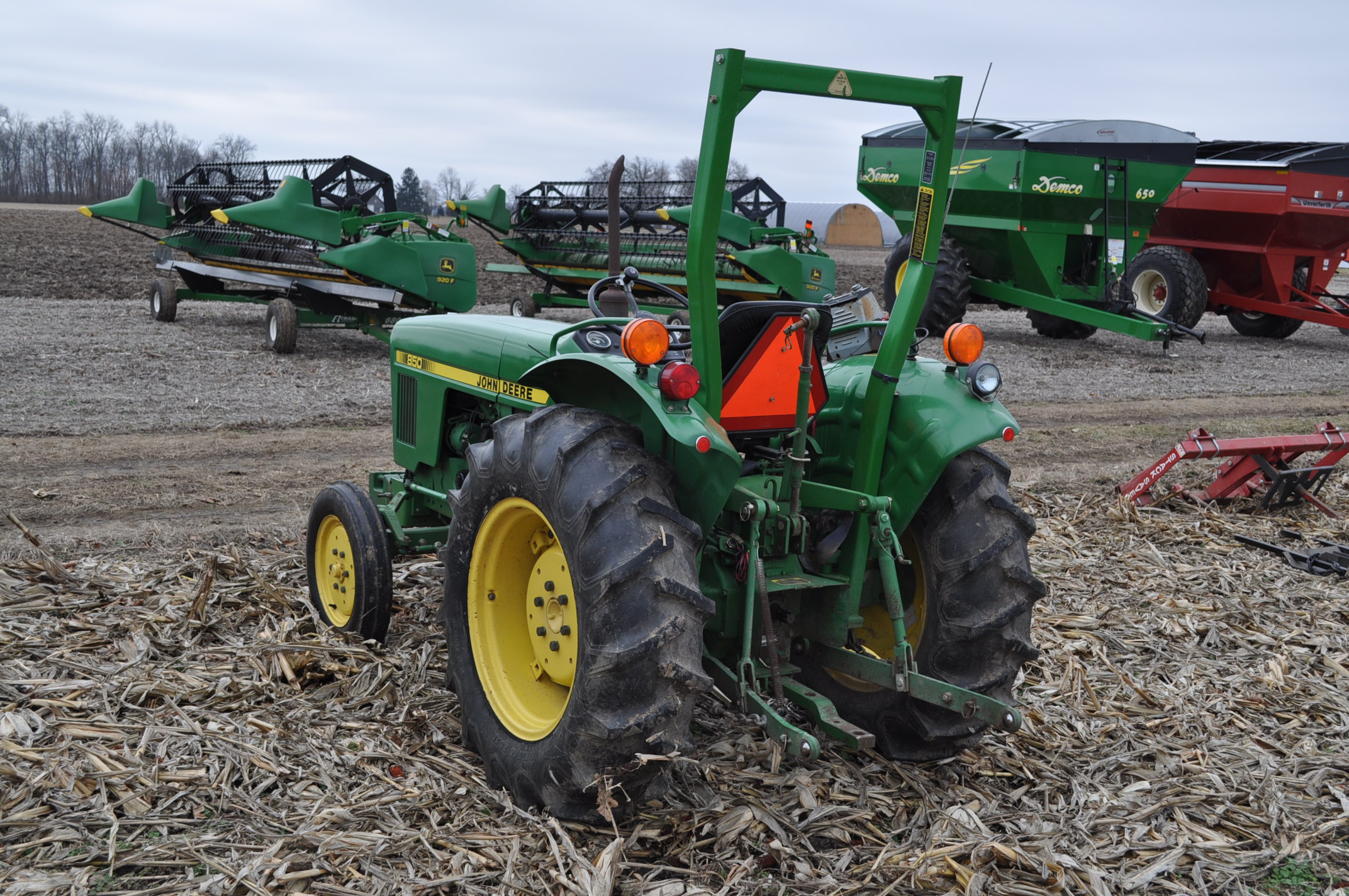 John Deere 850 utility tractor, diesel, 12.4-24 rear, 5.00-16 front, 2 hyd remotes, 3 pt, 540 pto, - Image 2 of 13