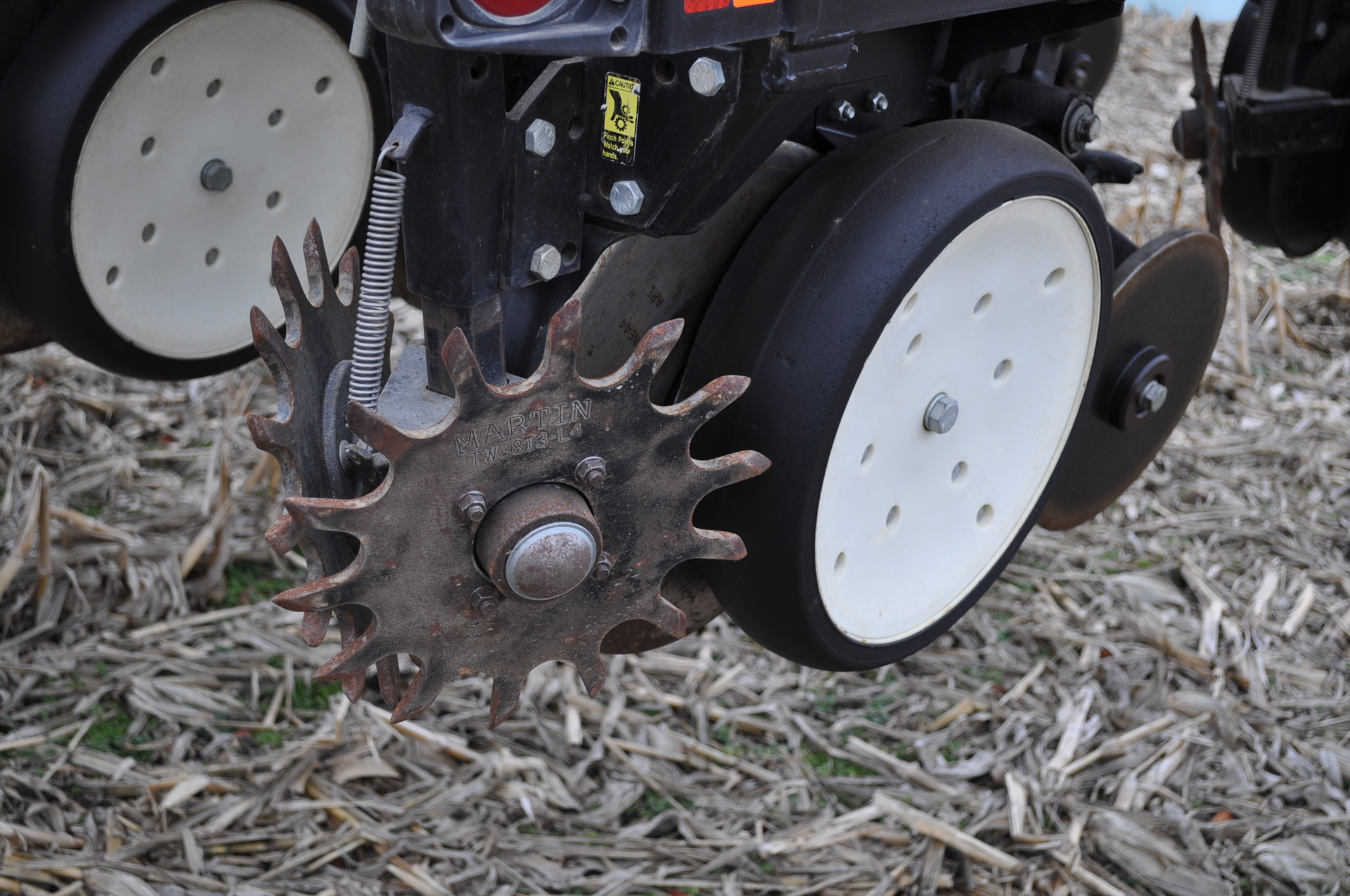Kinze 3600TR planter, 12/24 twin row, Martin row cleaners, markers, finger pick up, cast closing - Image 10 of 20