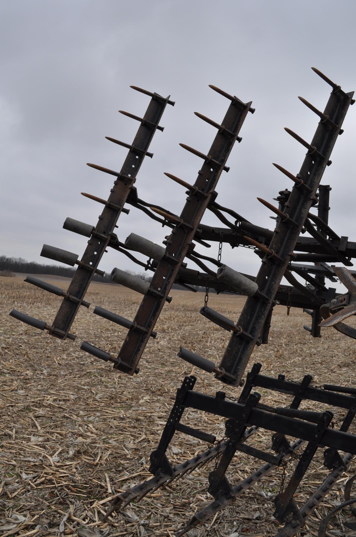 "17' Landoll Finisholl 850 mulch finisher, front blades, 9"" sweeps, 3 bar drag, hyd fold - Image 11 of 18"