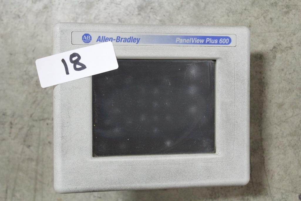Allen-Bradley 2711P-T6C20A (cosmetic damage to case)