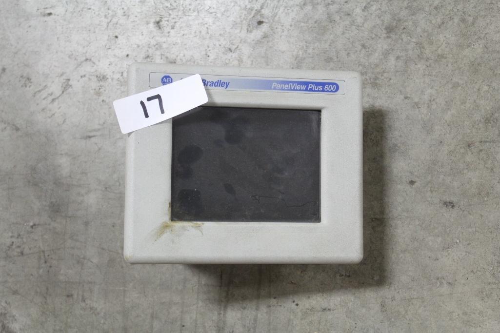 Allen-Bradley 2711P-T6C20A (cosmetic damage to case)