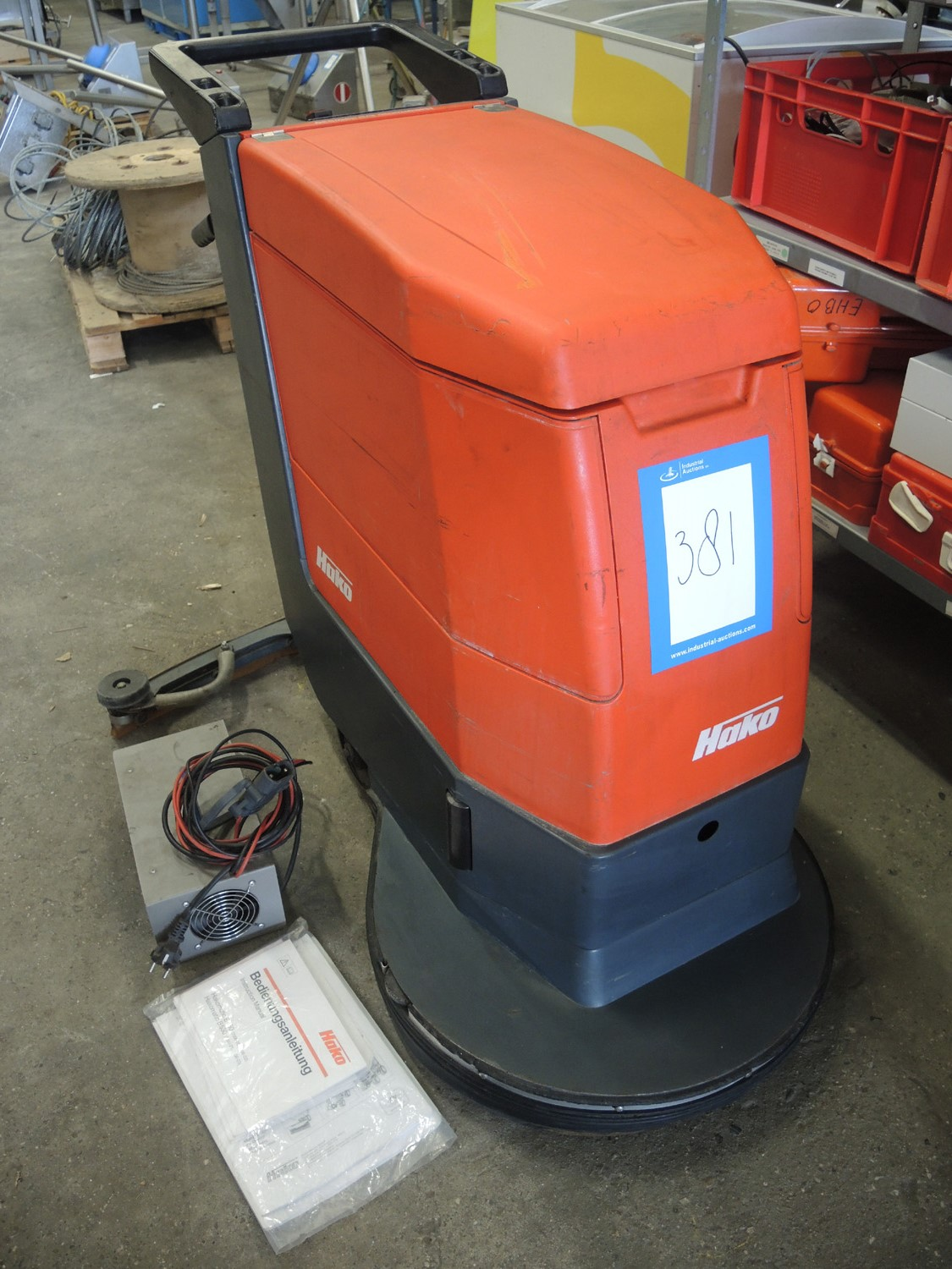 Lot 1430 - Hakomatic floor scrubber, type: E/B 450/530,