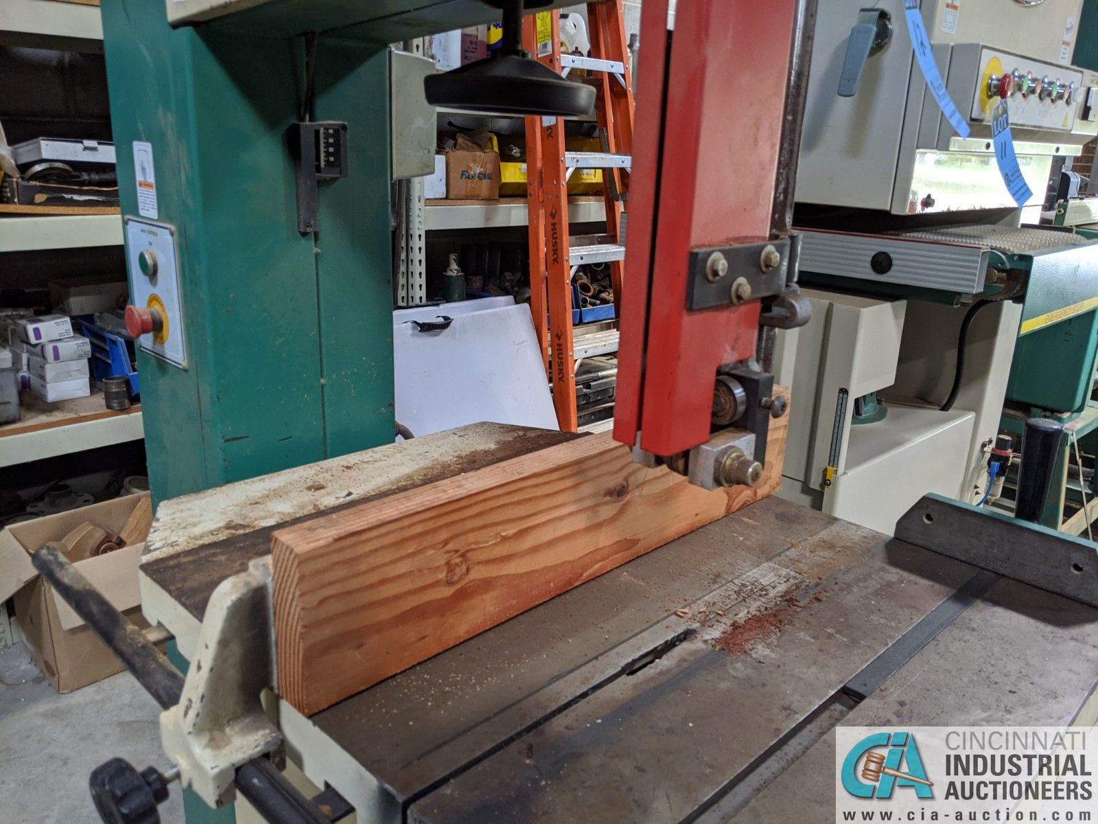 """12"""" GRIZZLY MODEL G3619 VERTICAL BAND SAW; S/N 08146, 3-1/2"""" X 23-3/4"""" TABLE, 5-HP, SINGLE PHASE ( - Image 5 of 6"""