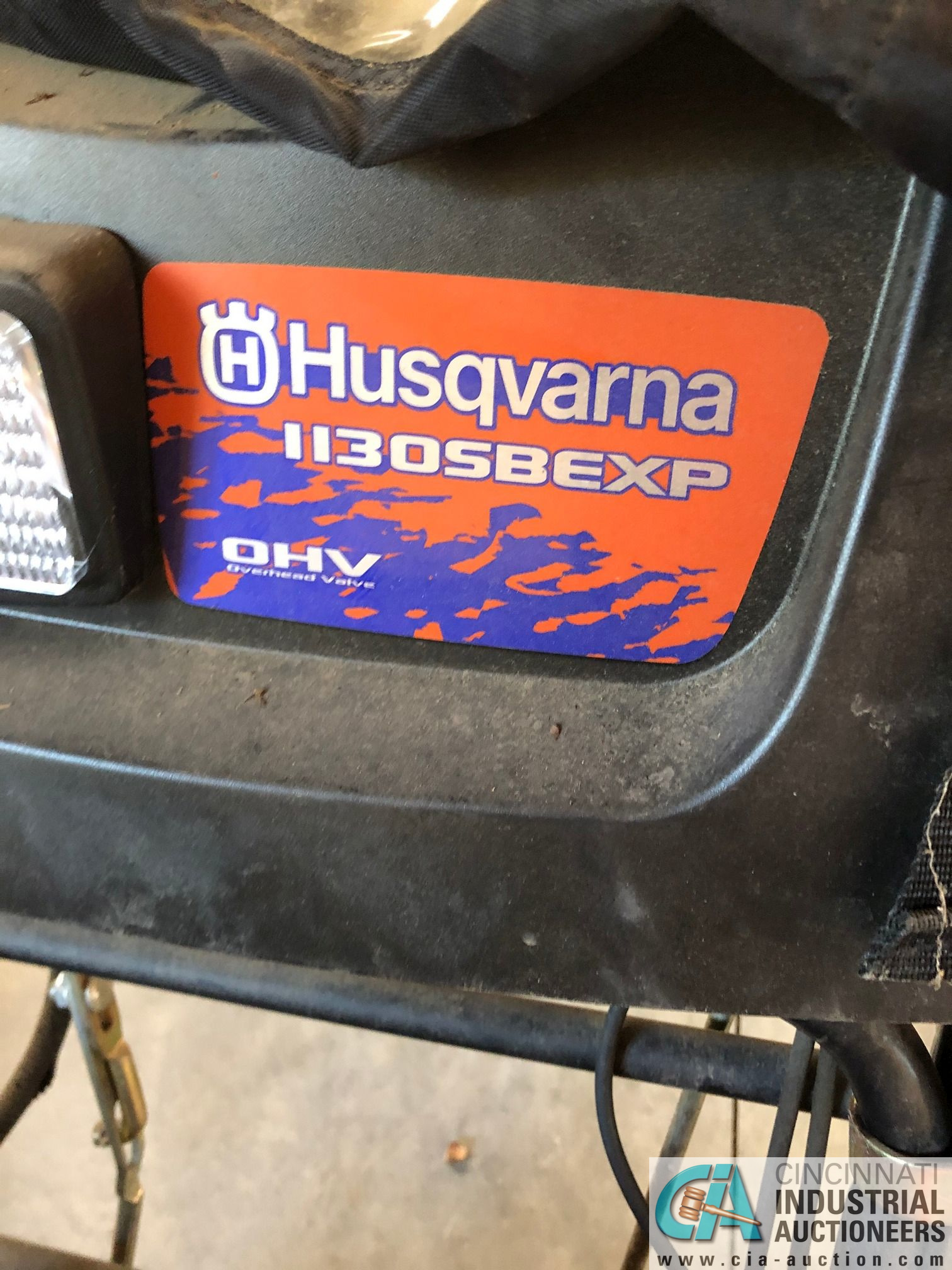 HUSQVARNA MODEL 1130SBE XP SNOW BLOWER; ELECTRIC START (5848 Vrooman Rd., Painsville, OH 44077 - Ron - Image 2 of 4