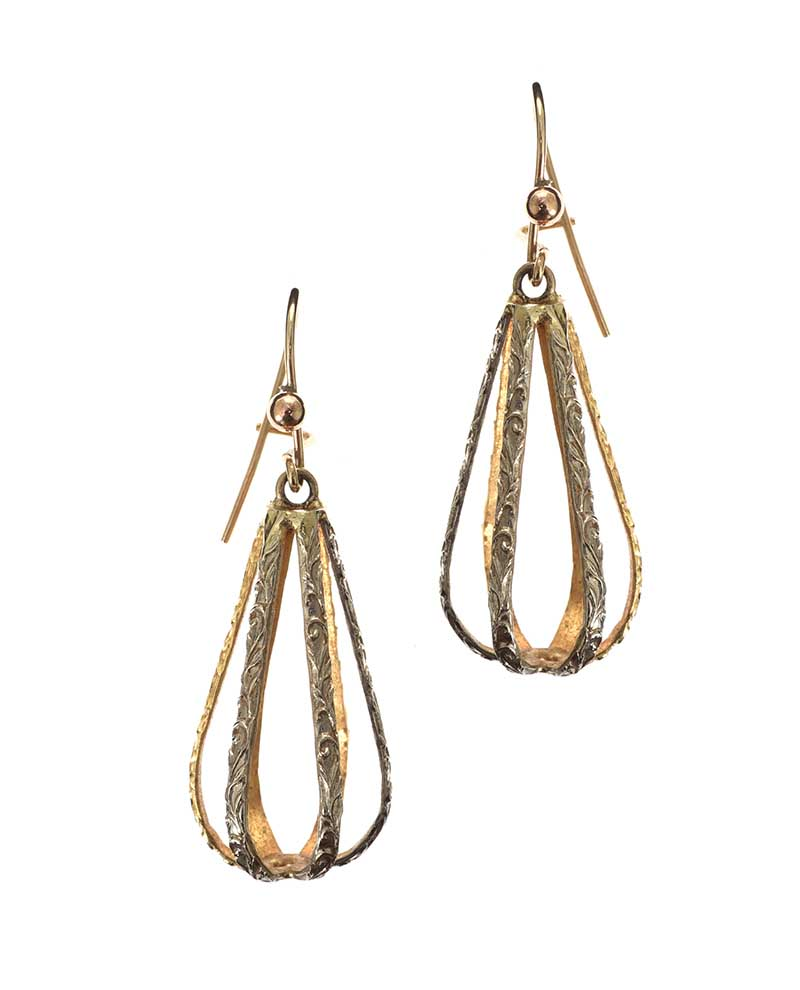 Lot 35 - 9CT GOLD ENGRAVED EARRINGS