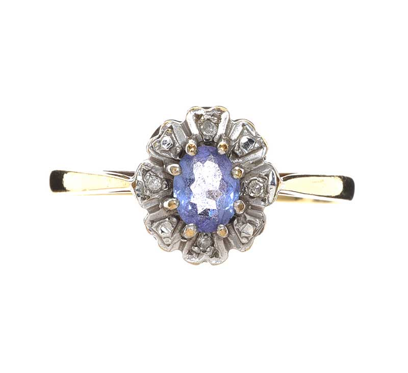 Lot 30 - 9CT GOLD SAPPHIRE AND DIAMOND RING
