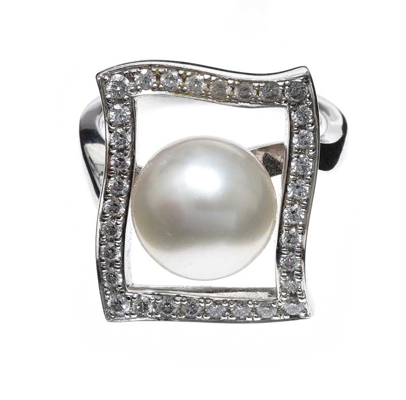 Lot 2 - MIKIMOTO 18CT WHITE GOLD CULTURED PEARL AND DIAMOND RING