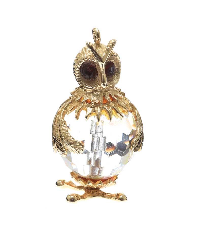 Lot 24 - 9CT GOLD OWL PENDANT