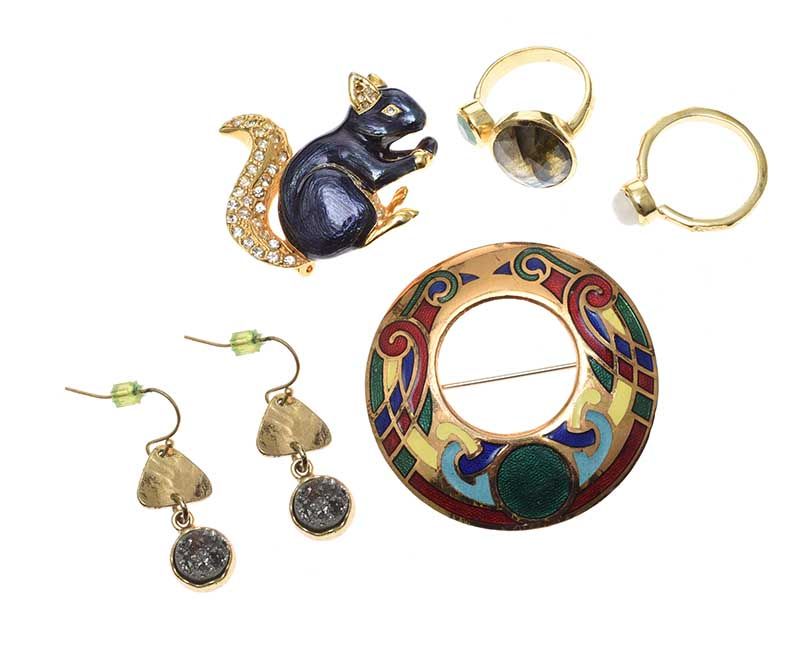 Lot 53 - SELECTION OF GOLD-TONE JEWELLERY