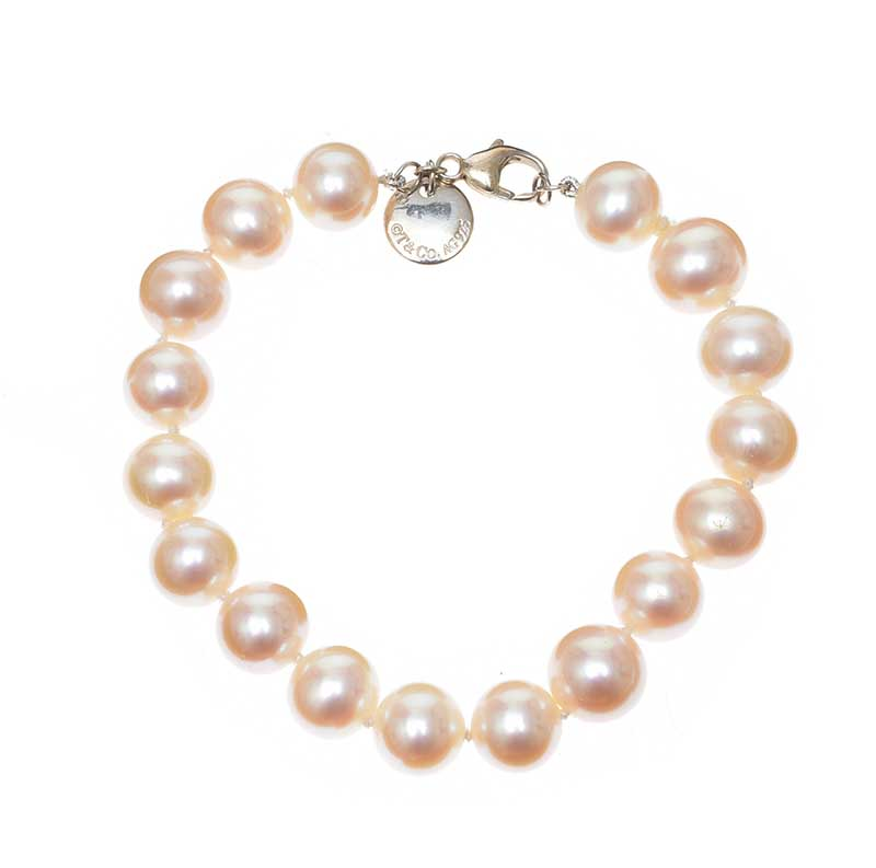 Lot 8 - TIFFANY & CO. PEARL AND STERLING SILVER BRACELET WITH BOX