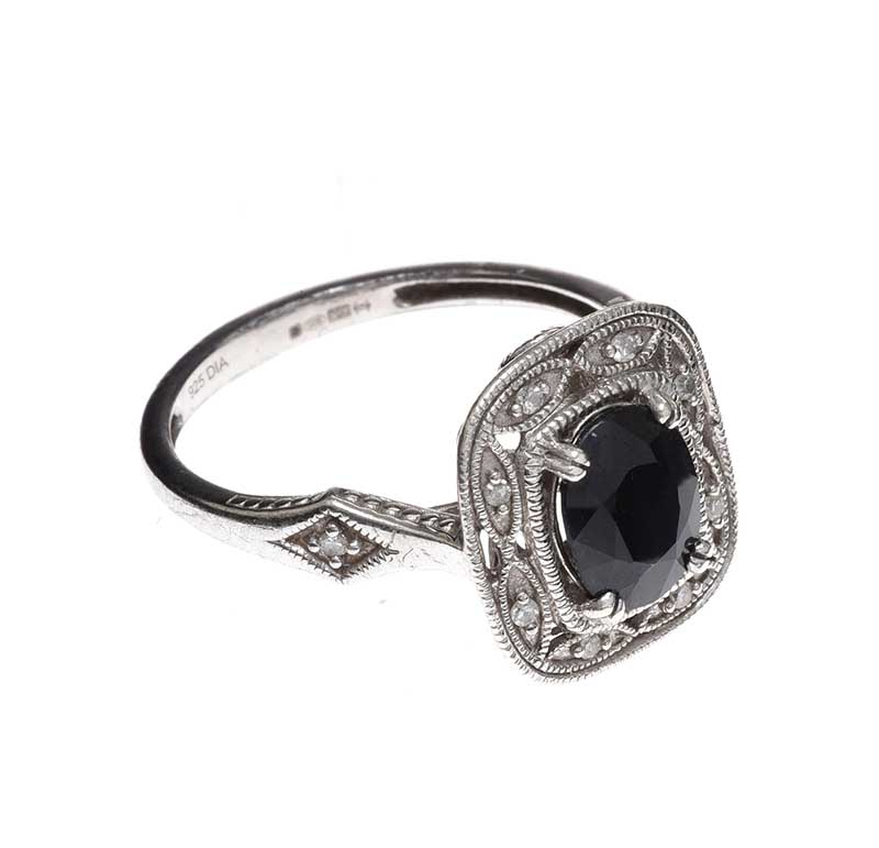 Lot 60 - STERLING SILVER SAPPHIRE RING