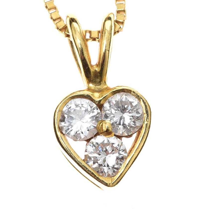 Lot 52 - 18CT GOLD DIAMOND-SET HEART PENDANT AND CHAIN