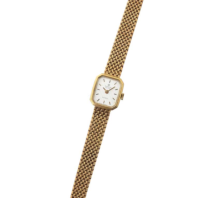 Lot 33 - MARVIN REVUE 9CT GOLD LADY'S WRIST WATCH