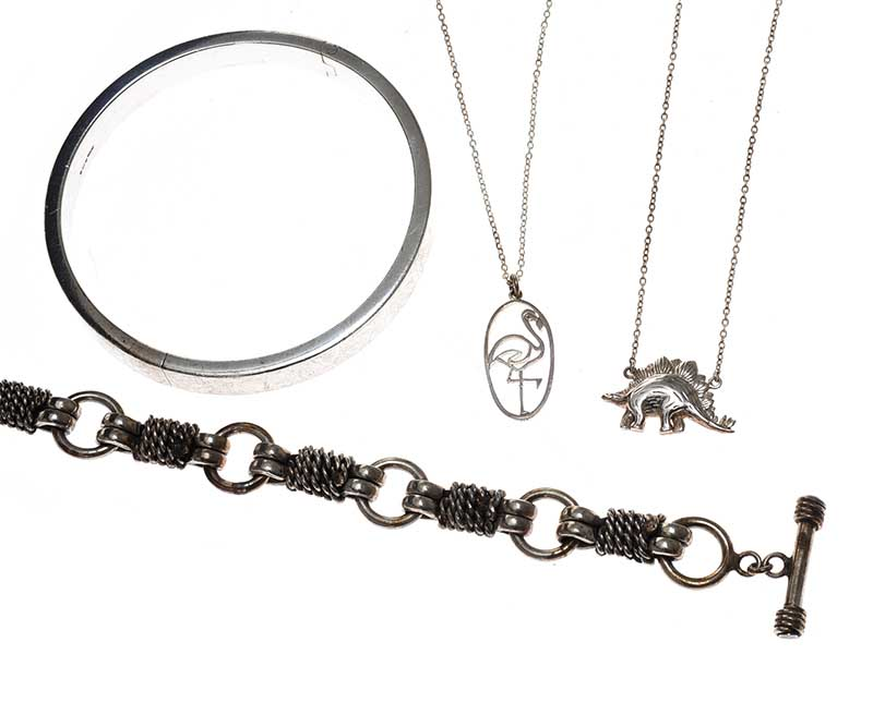 Lot 25 - SELECTION OF STERLING SILVER JEWELLERY