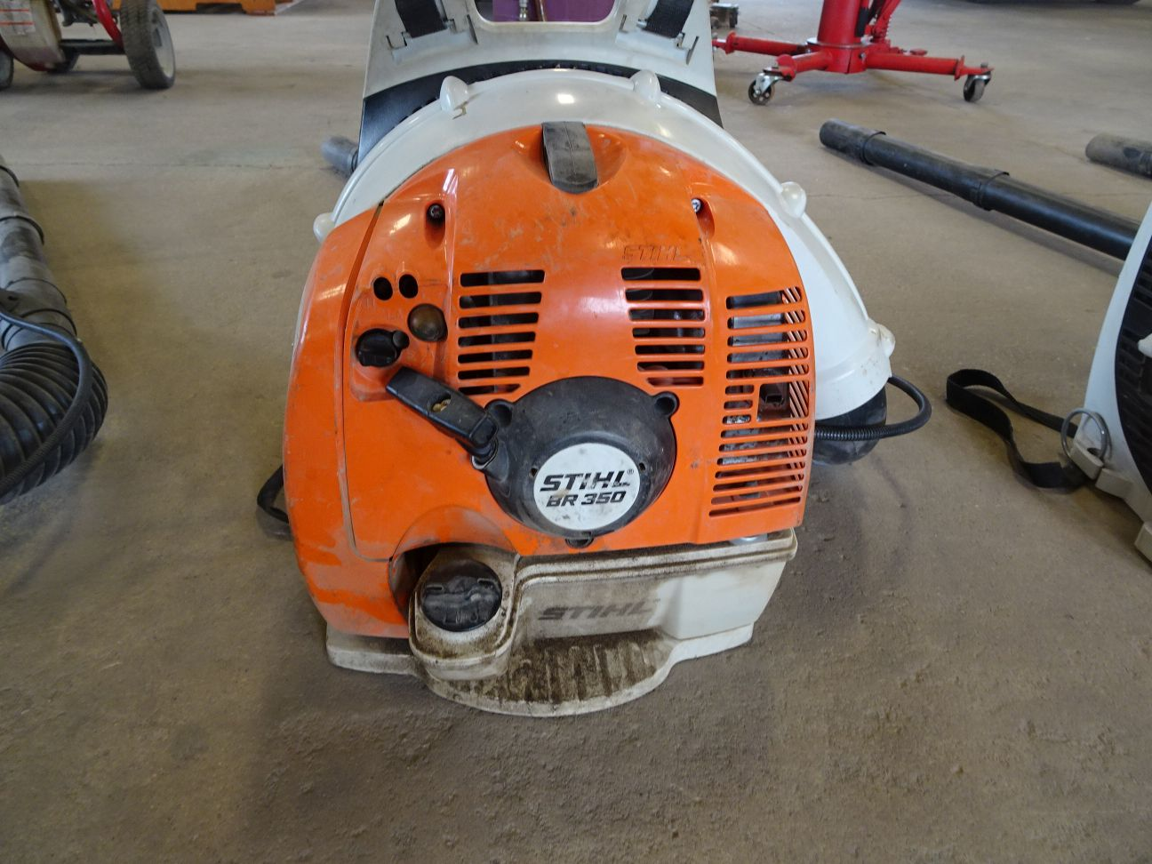 Lot 9 - STIHL BR350 GAS POWERED BACKPACK BLOWER (LOCATION: SHOP)