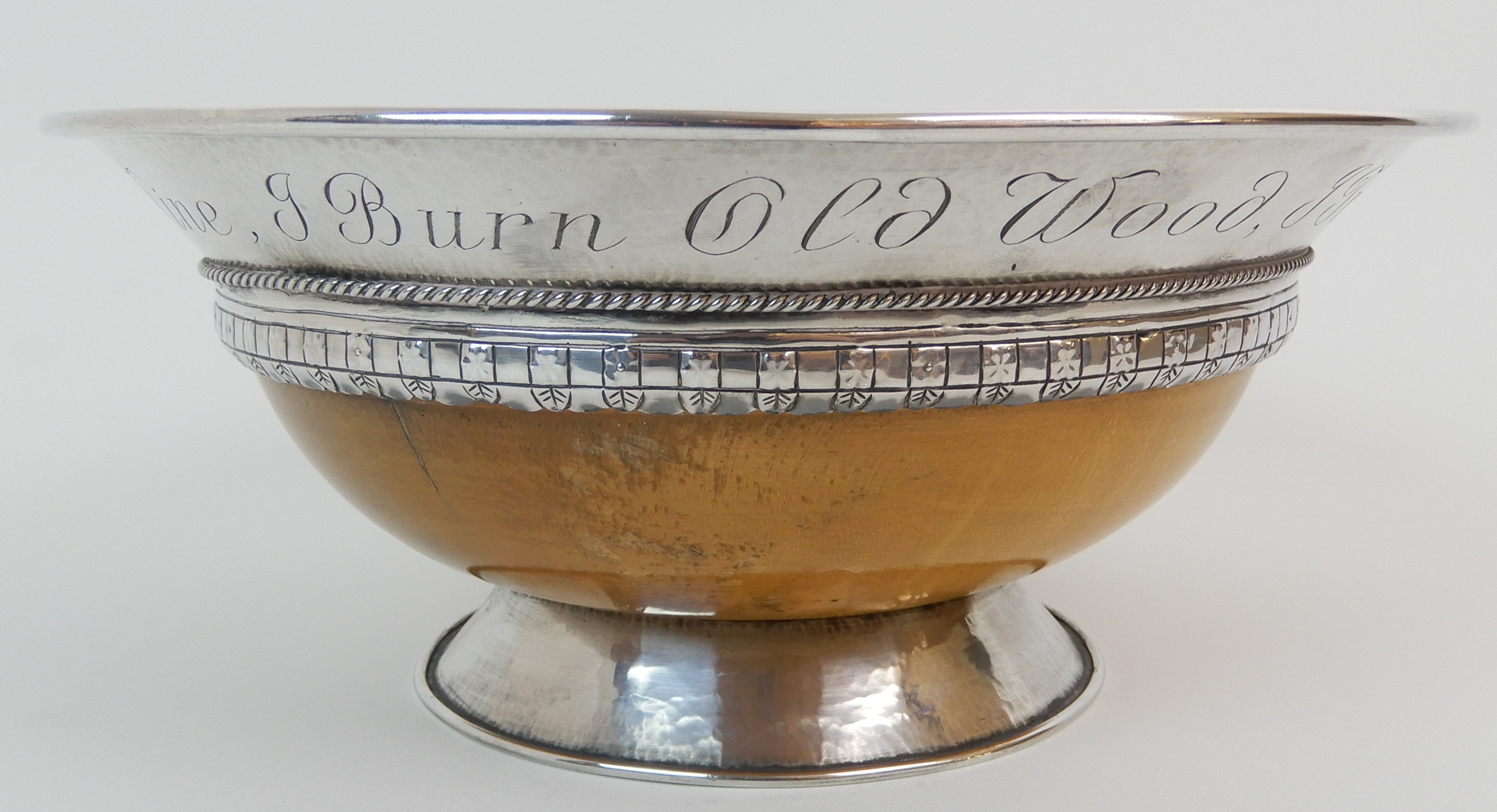 AN ARTS AND CRAFTS SILVER MOUNTED TREEN BOWL by Elizabeth Henry Kirkwood, Edinburgh 1947, or - Image 2 of 9