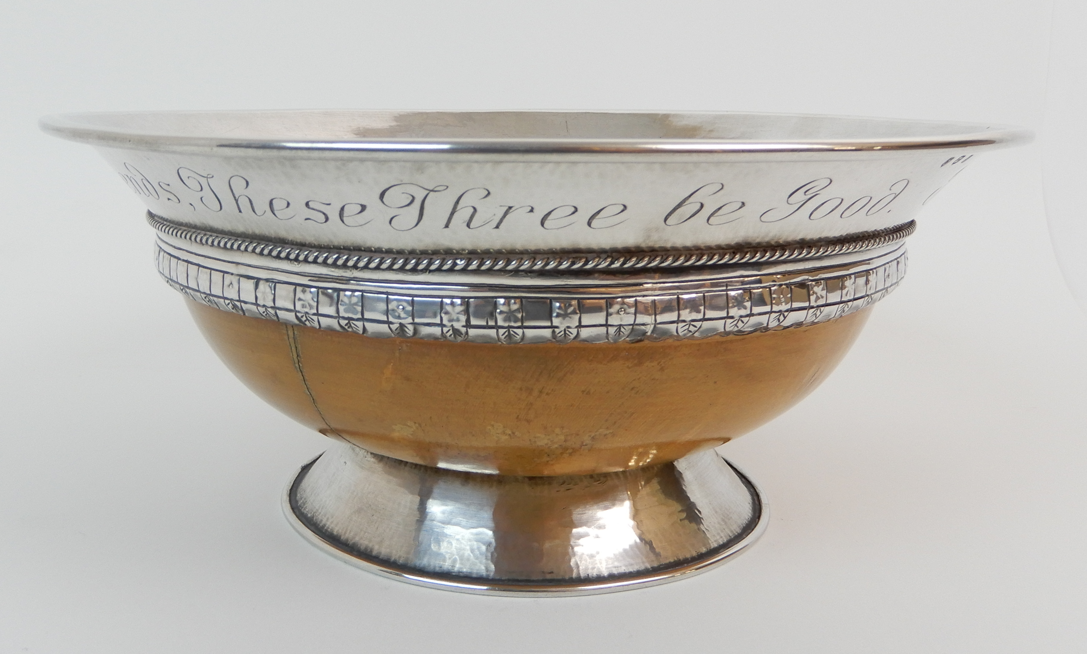 AN ARTS AND CRAFTS SILVER MOUNTED TREEN BOWL by Elizabeth Henry Kirkwood, Edinburgh 1947, or - Image 4 of 9