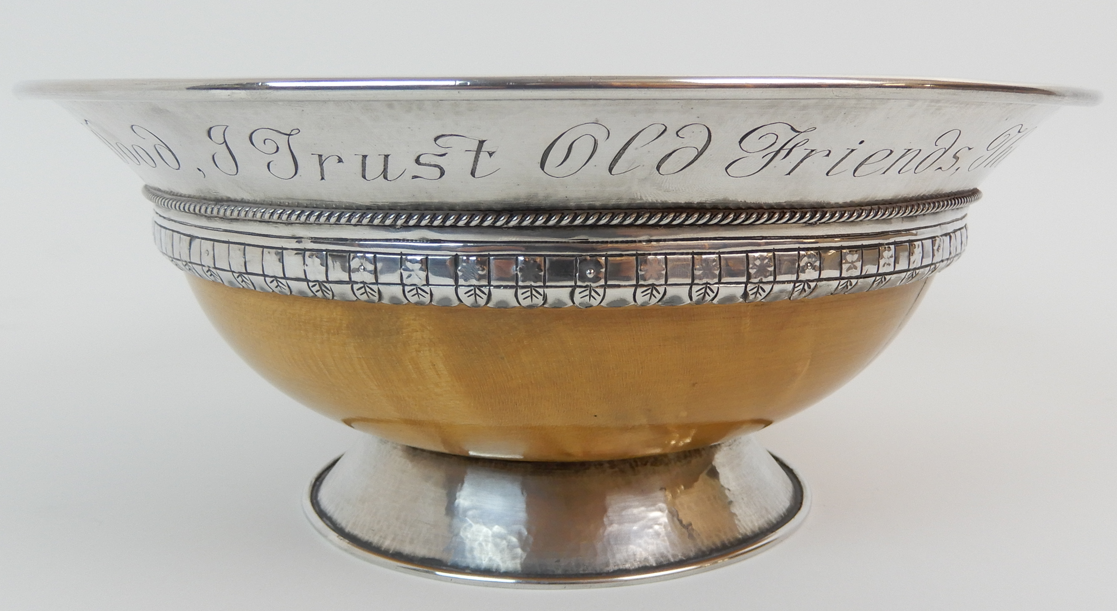 AN ARTS AND CRAFTS SILVER MOUNTED TREEN BOWL by Elizabeth Henry Kirkwood, Edinburgh 1947, or - Image 3 of 9