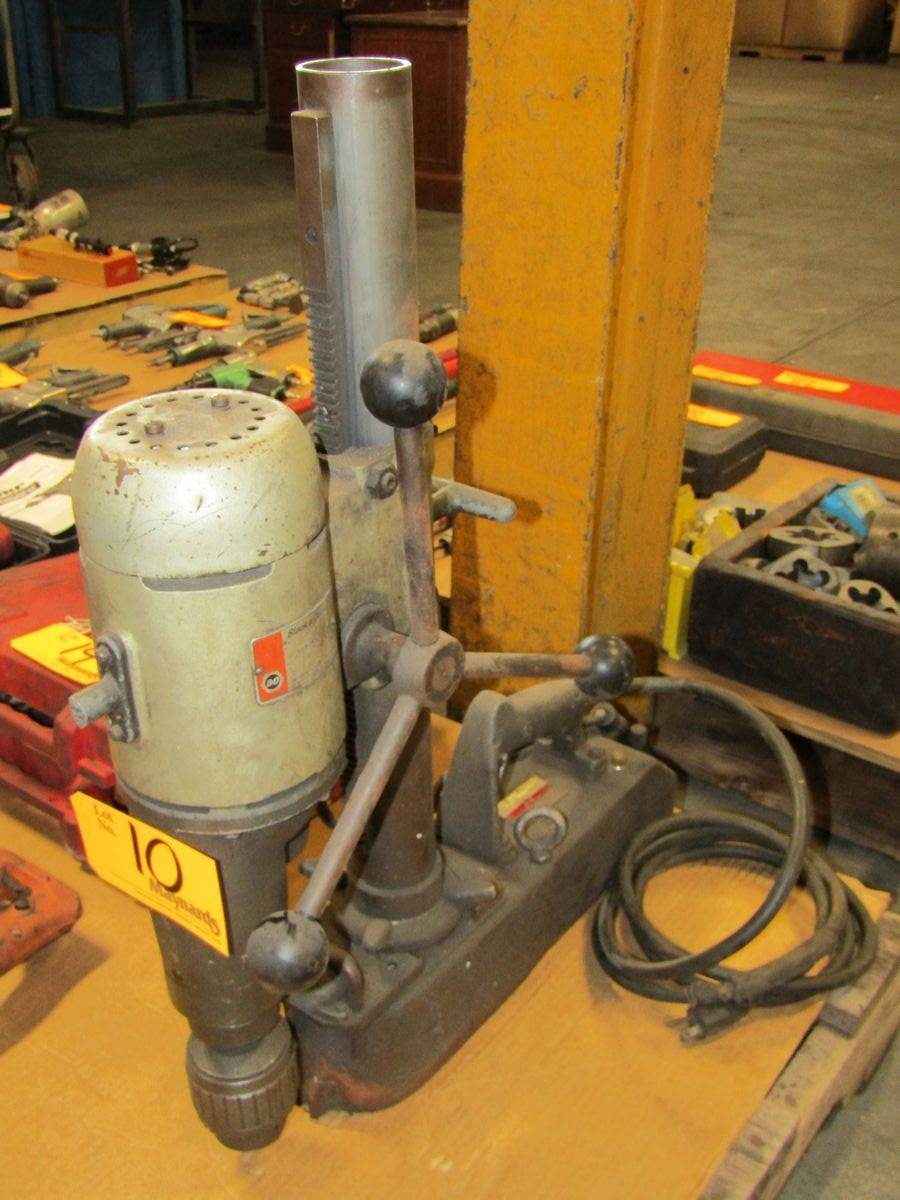 Lot 10 - Black & Decker 1554 Magnetic Base Drill