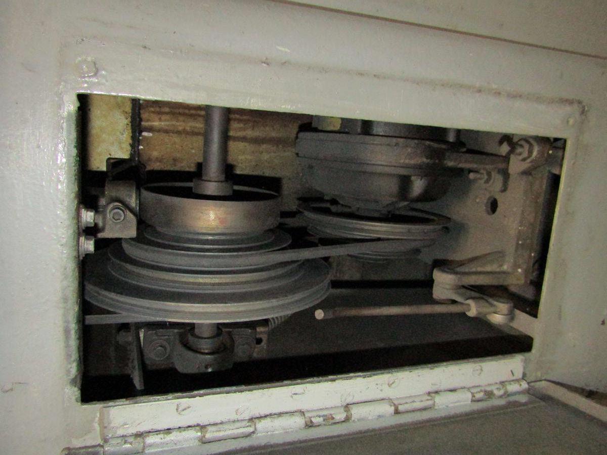 Lot 75 - 1941 Hardinge Bench Lathe