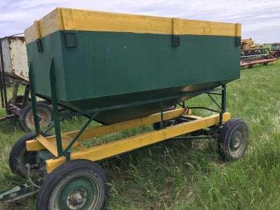 Lot 8 - 110 Bushel Hopper Cart