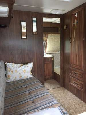 Lot 10 - 1981 Triple E Motorhome on a Chev chassis