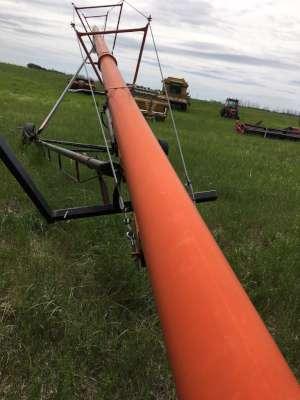 Lot 14 - Brandt 10x70 swing-a-way auger
