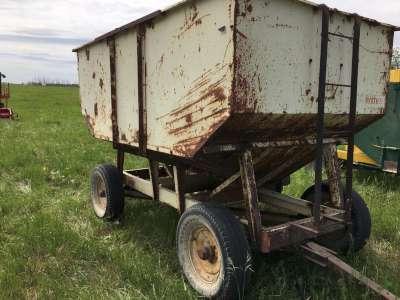 Lot 7 - 160 Bushel Hopper Cart