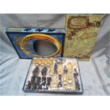 *LORD OF THE RINGS RETURN OF THE KIND CHESS SET / GRADE: UNCLAIMED PROPERTY / BOXED (DC2)[MK070515-