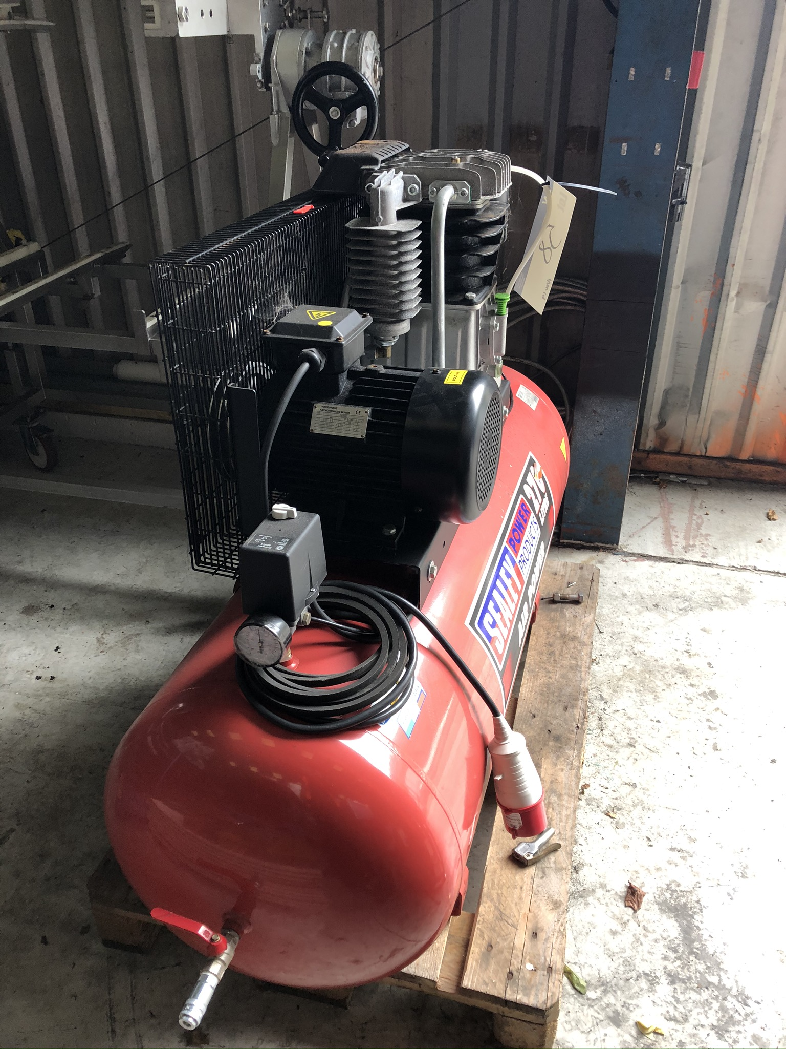 Lot 58 - Sealey Receiver Mounted Air Compressor, plant no.