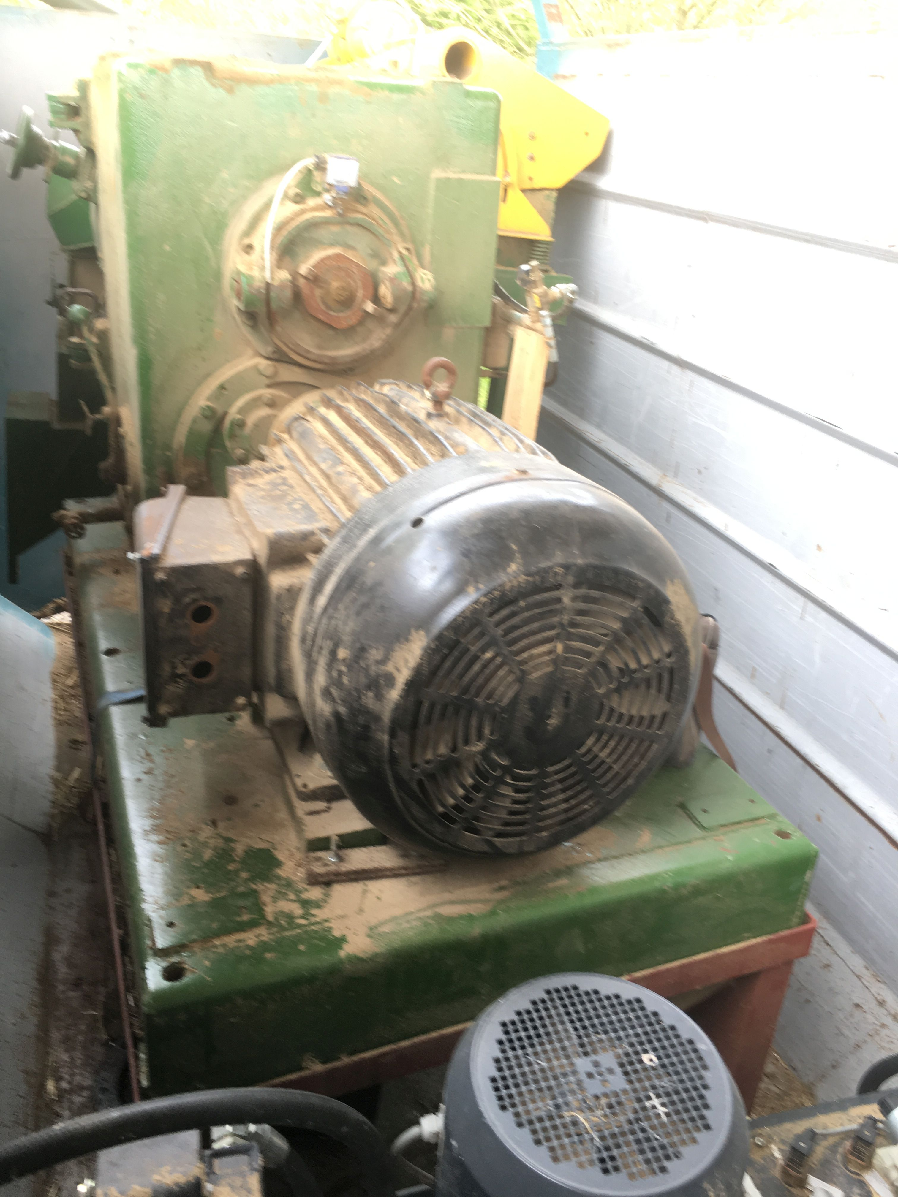 Lot 11 - TWO SPEED PELLETING PRESS, (understood to be manuf