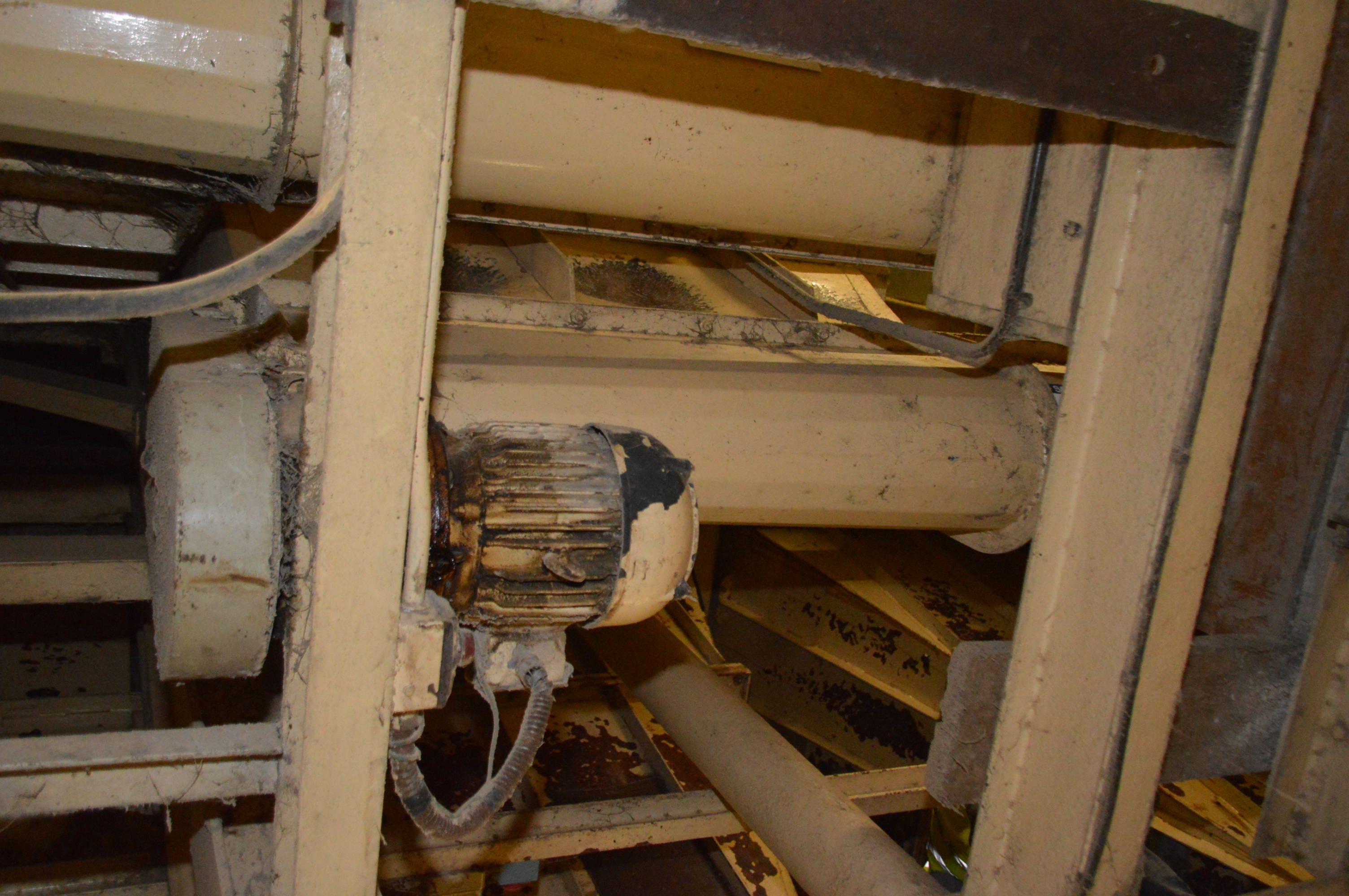 Lot 39 - Carier 250mm Part Taper Screw Hopper Discharge Con