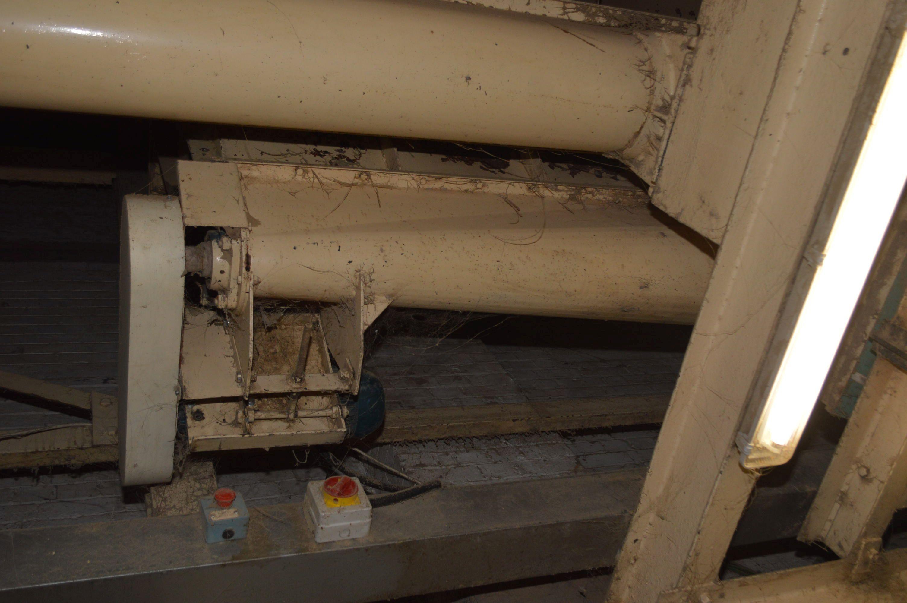 Lot 40 - Carier 250mm Part Taper Screw Hopper Discharge Con