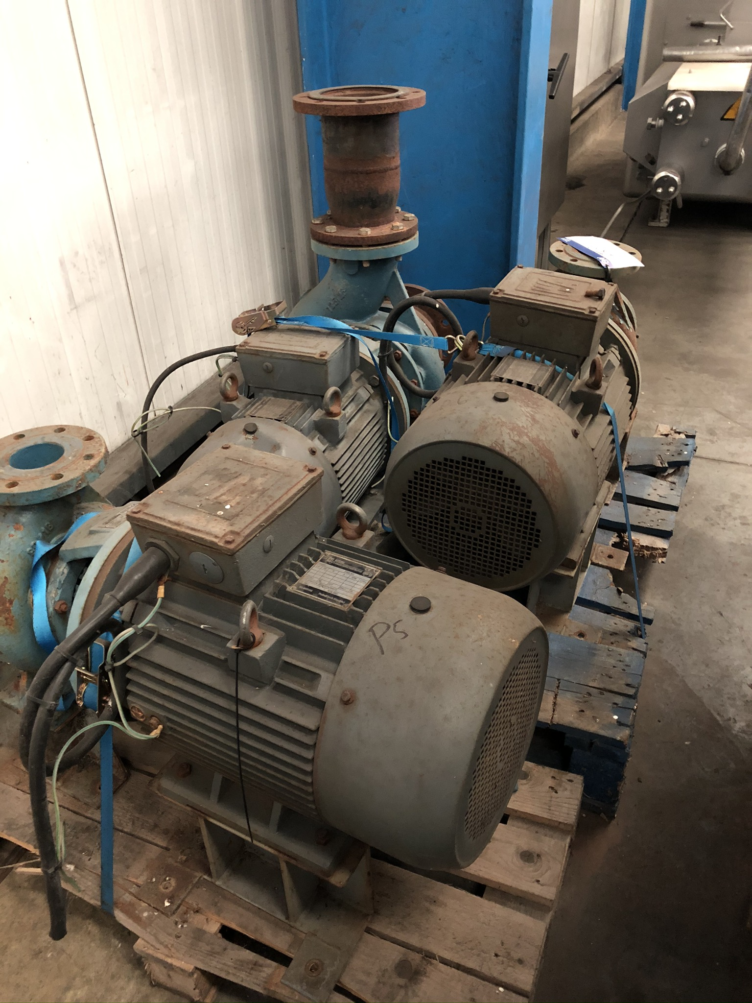 Lot 59 - Three Electric Motors, including one x Bombus tipo