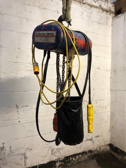 Lot 33 - Loadstar Two Tonne Electric Chain Hoist,loading f