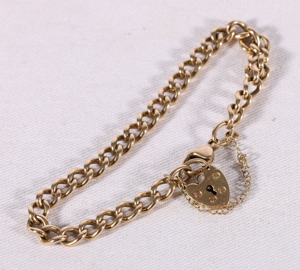 Lot 47 - 9ct yellow gold gate link bracelet with heart lock closure, 13.9g.