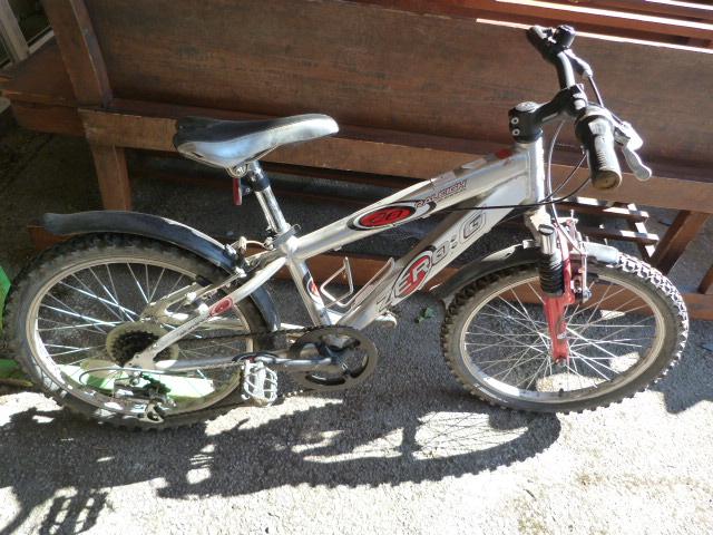 Lot 3 - Raleigh Zero G Mountain Bike