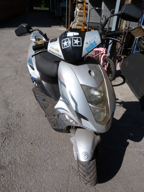 Lot 1 - Aragon Moped