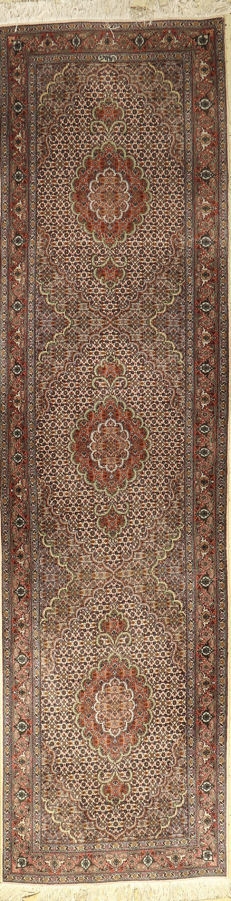 Tabriz fine runner, Persia, approx. 30 years, wool with silk, approx. 300 x 81 cm, condition: 2.