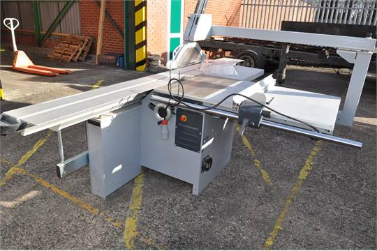 Felder Type K 540 S sliding table panel saw with tilting saw blade