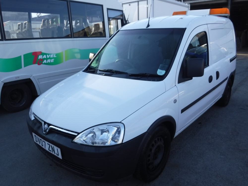 07 reg vauxhall combo 2000 cdti 1st reg 04 07 test 04 16. Black Bedroom Furniture Sets. Home Design Ideas