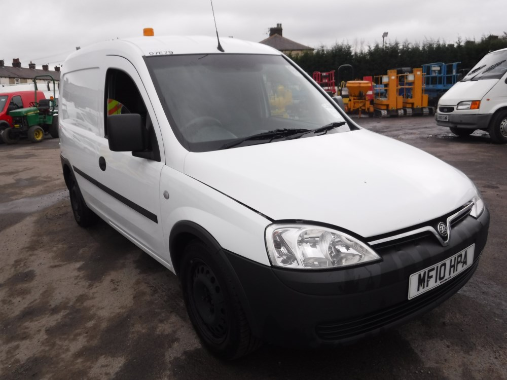 10 reg vauxhall combo 2000 cdti van 1st reg 03 10 test. Black Bedroom Furniture Sets. Home Design Ideas