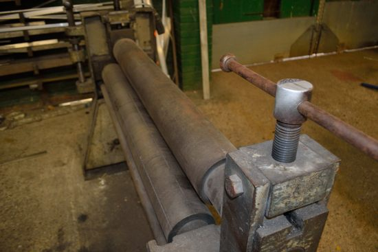FJ Edwards powered bending rolls approx 1250mm wide - Image 5 of 6