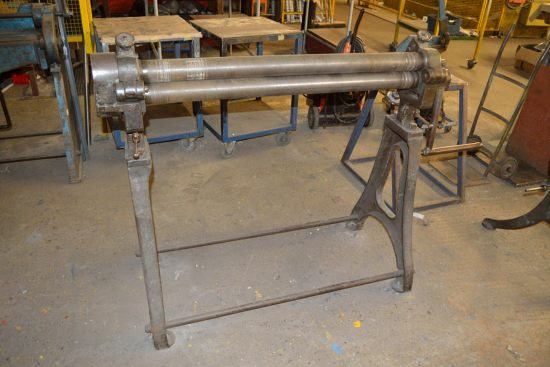 Lot 17 - Manual bending rolls, approx 75mm roll dia. X 1070mm