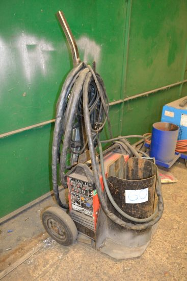 Lot 60 - Kemppi Master 1500 TIG welding set with trolley