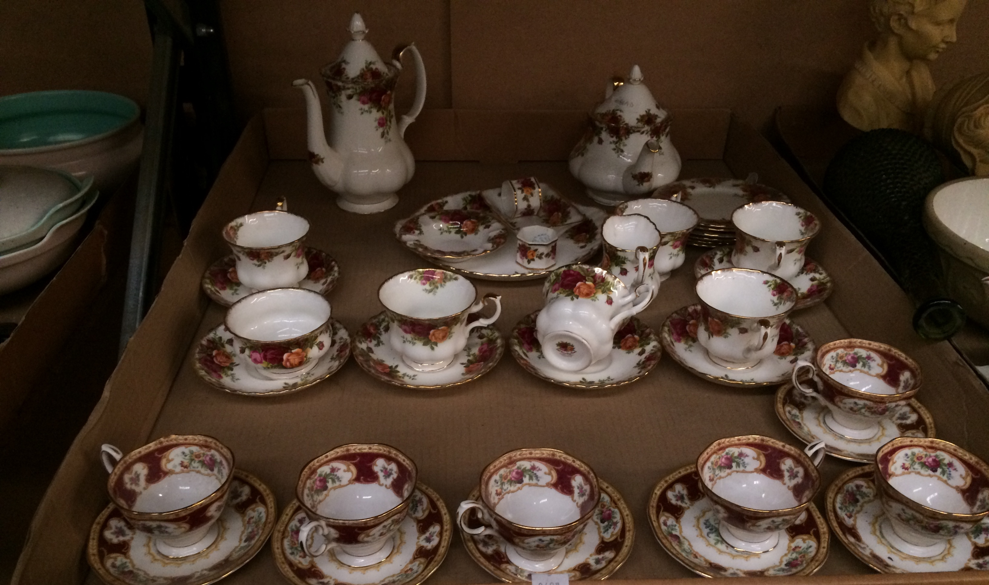 Lot 312 - Contents to tray - 27 x pieces of Royal Albert Old Country Roses bone china tea service - coffee